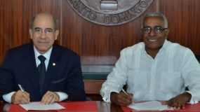 Manuel Gómez Achécar    y   Rolando M. Guzmán.