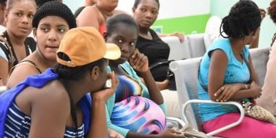 Los hospitales de la frontera atienden a parturientas haitianas.