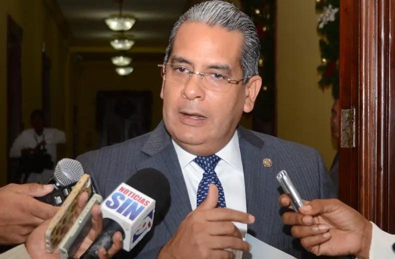 Alberto Perdomo informó sobre agilidad en entrega de recursos.
