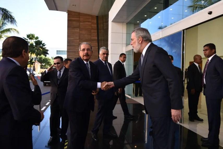 El presidente Danilo Medina llegó a tempranas horas a la sede de la Cancillería dominicana.
