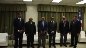 De izquierda a derecha Namphi Rodríguez, Adriano de la Cruz, Juan Bolívar Díaz, Rubén Maldonado y José Monegro.