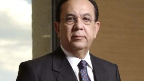 Hector Valdez Albizu, gobernador del Banco Central.