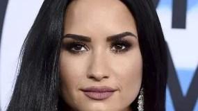 La cantante Demi  Lovato sigue su recuperación.