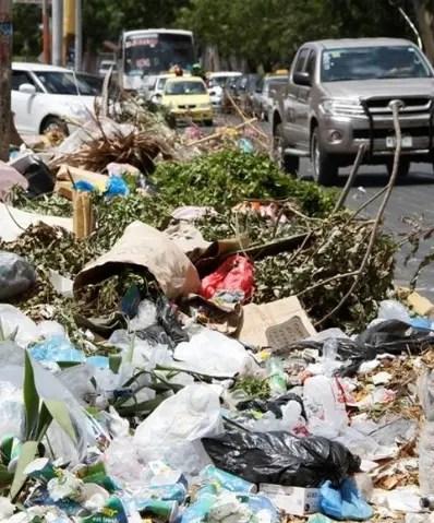 Esta ley regulará la producción de plásticos en el  país.
