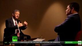 Leonel  Fernández  durante la entrevista con Rafael  Correa donde hablaron sobre la importancia de la educación como medio de desarrollo social.