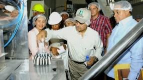 Osmar Benítez en recorrido por instalaciones en Nagua.