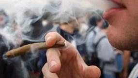 por-fumar-marihuana-en-calles-ny-ya-no-se-cae-preso