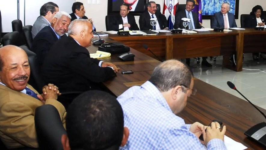 La reunión del próximo sábado fue convocada por el Comité Político del PLD. ARCHIVO