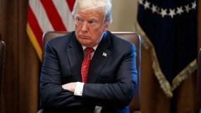 Donald Trump fotografiado durante una reunión de gabinete en la Casa Blanca en Washington el 17 de octubre del 2018. Su resistencia a cuestionar a Arabia Saudita en torno a la desaparición de un periodista renueva el debate sobre la importancia de los derechos humanos para el mandatario estadounidense. (AP Photo/Evan Vucci)