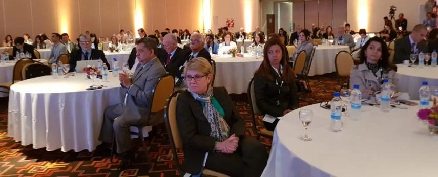 Algunos de los participantes en la 74 Asamblea Anual de la SIP que se celebra en Salta, Argentina.