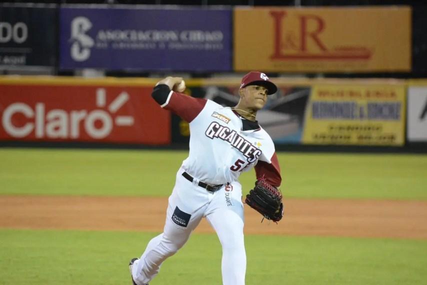 Jesús Liranzo logró su primera victoria en su debut en la liga