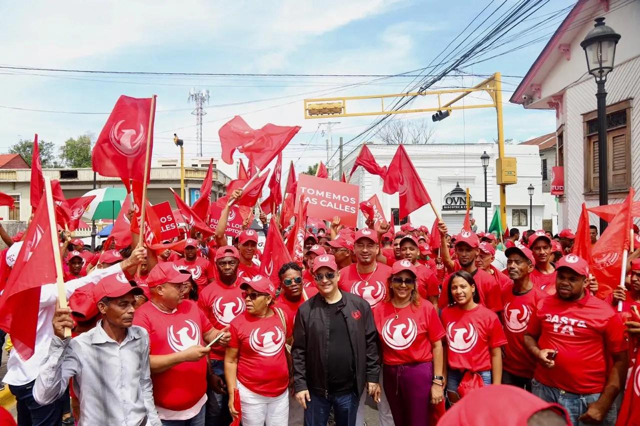 """Quique: """"El pueblo dominicano ha sufrido décadas de corrupción y falsas promesas"""""""