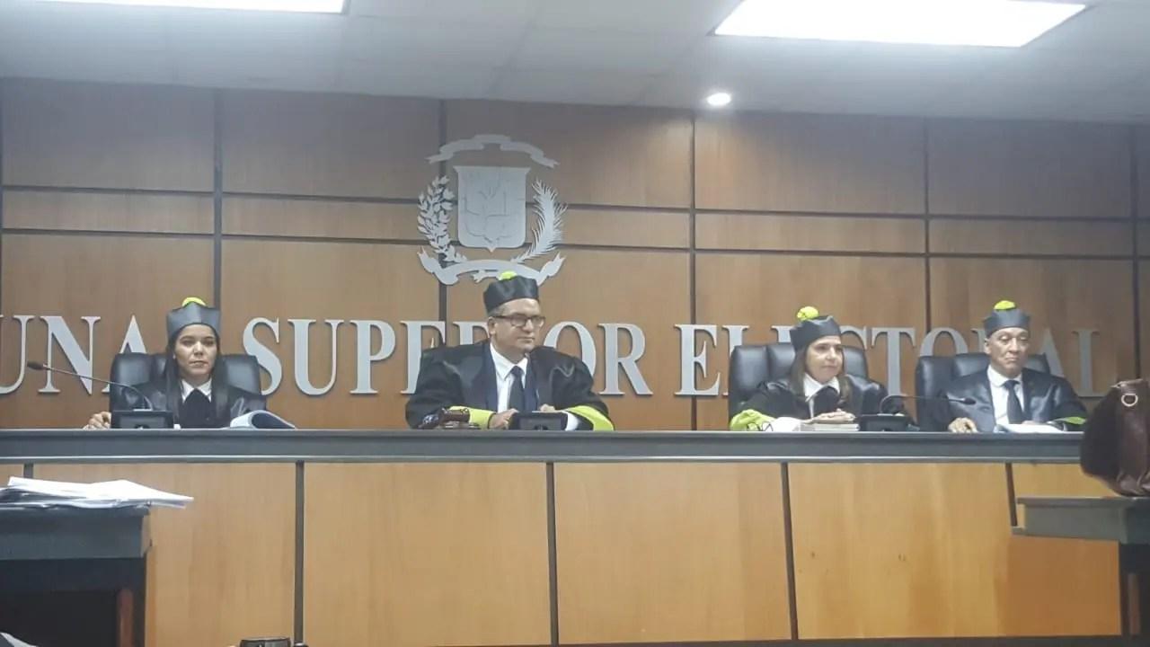 TSE declara inadmisible el recurso contra inscripción precandidaturas de Hipólito y Leonel