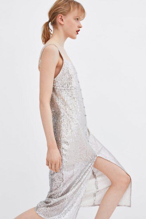 4e70a6331 Si buscas un artículo elegante y sofisticado para cualquier celebración que  tengas por delante, te puede resultar apropiado este vestido que tiene un  largo ...