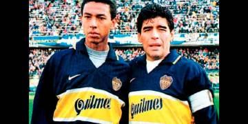 Nolberto solano jugó junto a Diego Armando Maradona