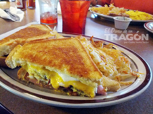 diario-tragon-dennys-grand-sandwich