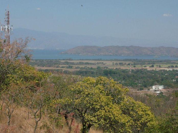 Vista del lago de Valencia desde la abadía