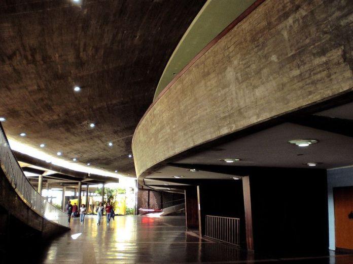 Plaza Cubierta de la Ciudad Universitaria