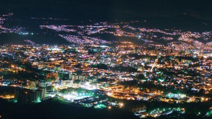 Panorámica de San Cristóbal desde Loma del Viento