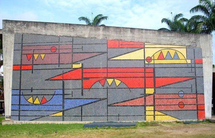 Oswaldo Vigas: Un elemento estático en cinco posiciones