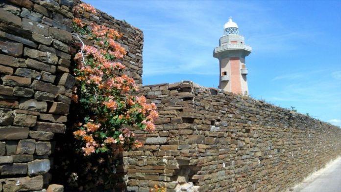 Faro de Punta Ballena