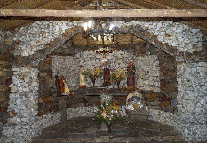 Interior de la Capilla de Piedra de Mucuchíes