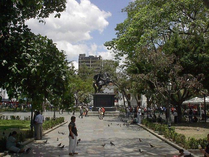 La Plaza Bolívar de Caracas, donde comenzó todo