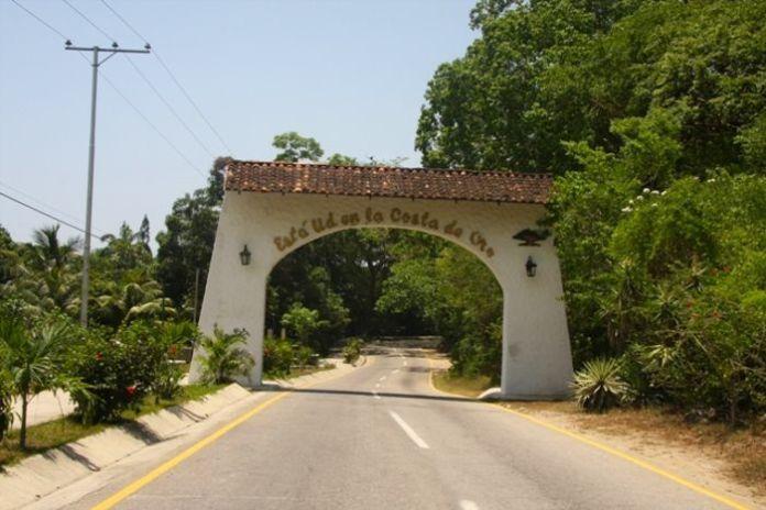 Entrada al municipio de La Costa de Oro (Ocumare)