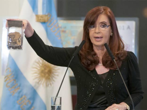 Cristina Fernández relaciona la diabetes con el alto poder adquisitivo, sedentarismo y exceso de comida. Fail.