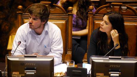 """Suciedades políticas y perversidades de poder de los """"salvavidas"""" de Chile"""