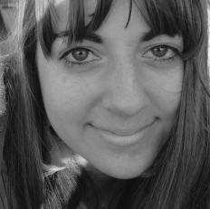 Annie Bergstein - Columnista
