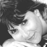 Claudia Abeliuk - Columnista