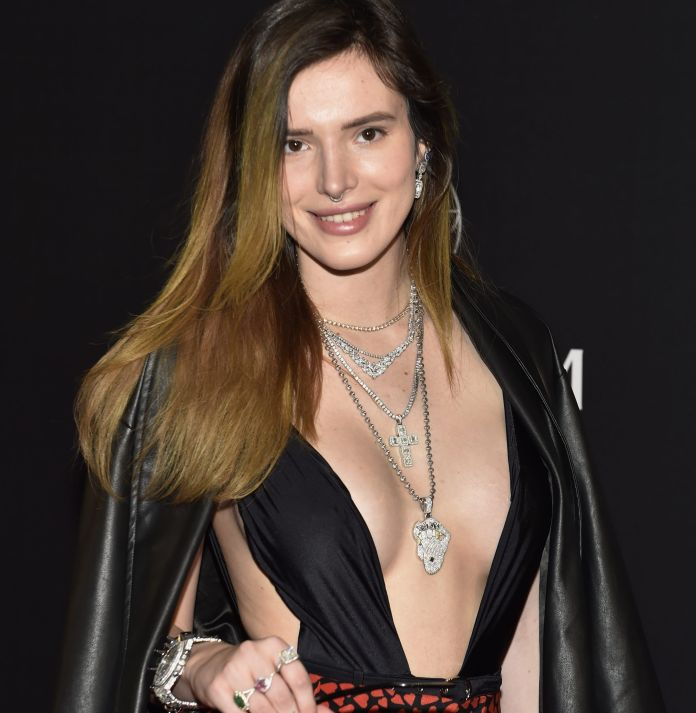 Bella Thorne presumed her hot body with this tiny bikini in Dominican Republic