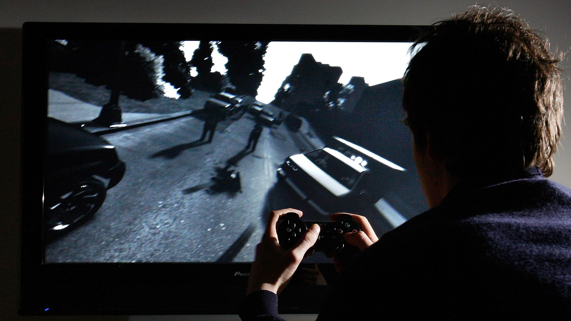 Menor de 15 años sufre derrame cerebral por jugar videojuegos 22 horas diarias