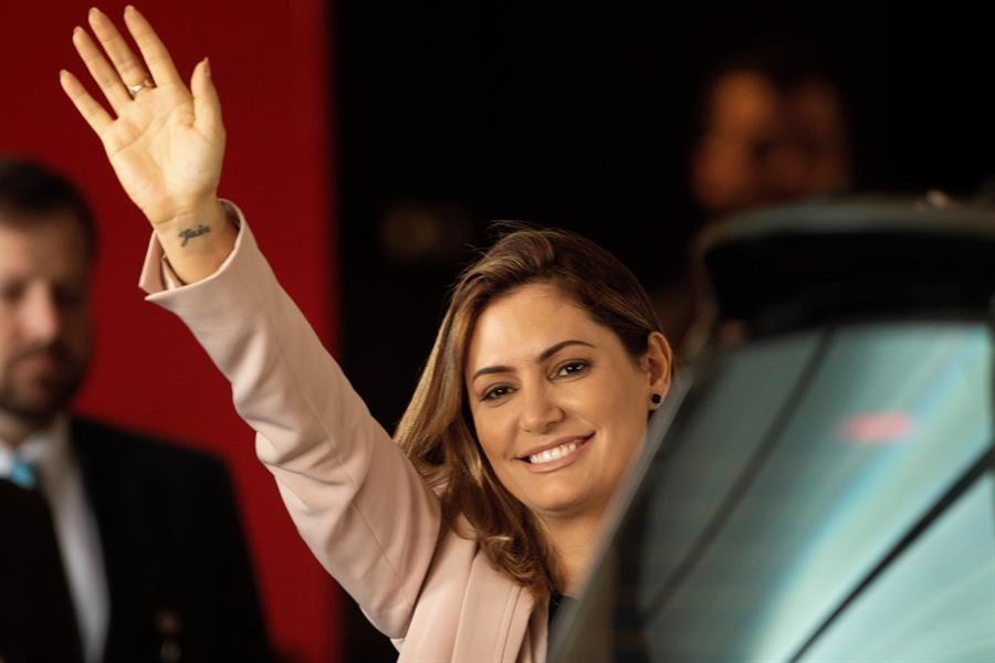 Primera dama de Brasil da negativo a prueba de COVID-19