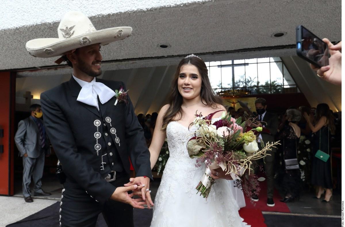 """This was Camila Fernández's wedding: """"El Potrillo"""" sang to the bride and groom"""