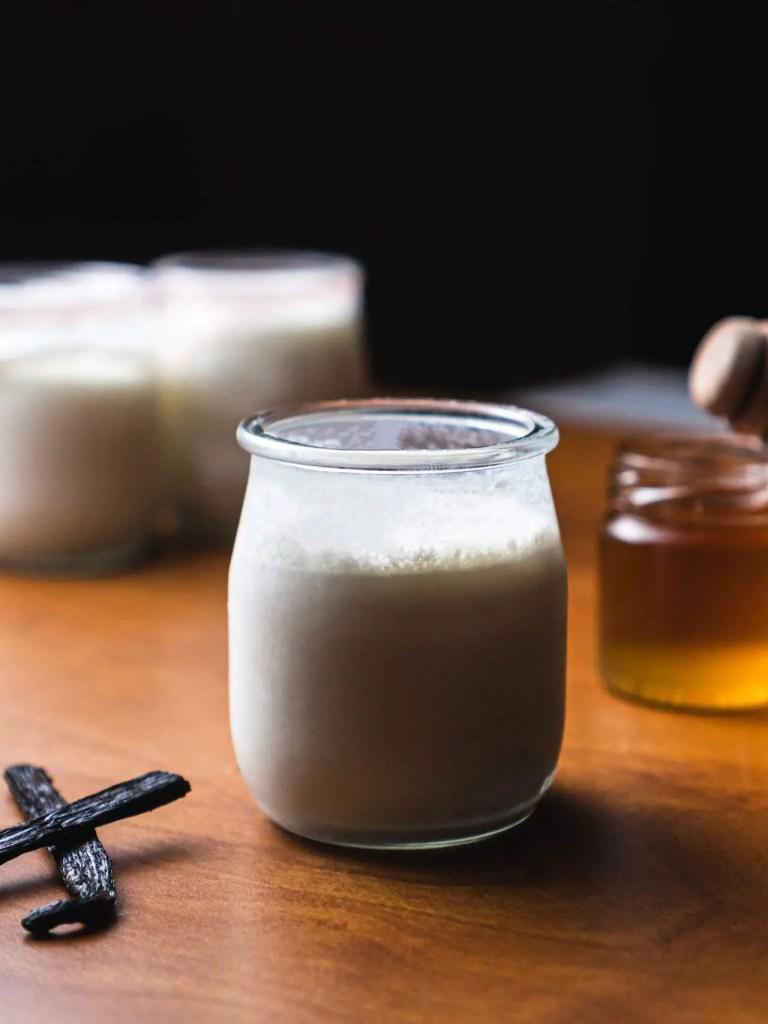 Yaourts nature sans yaourtière
