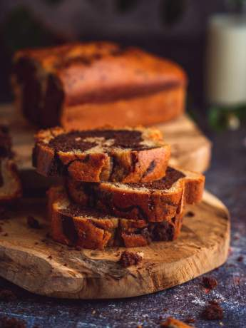 cake marbré healthy au chocolat noir et à la vanille