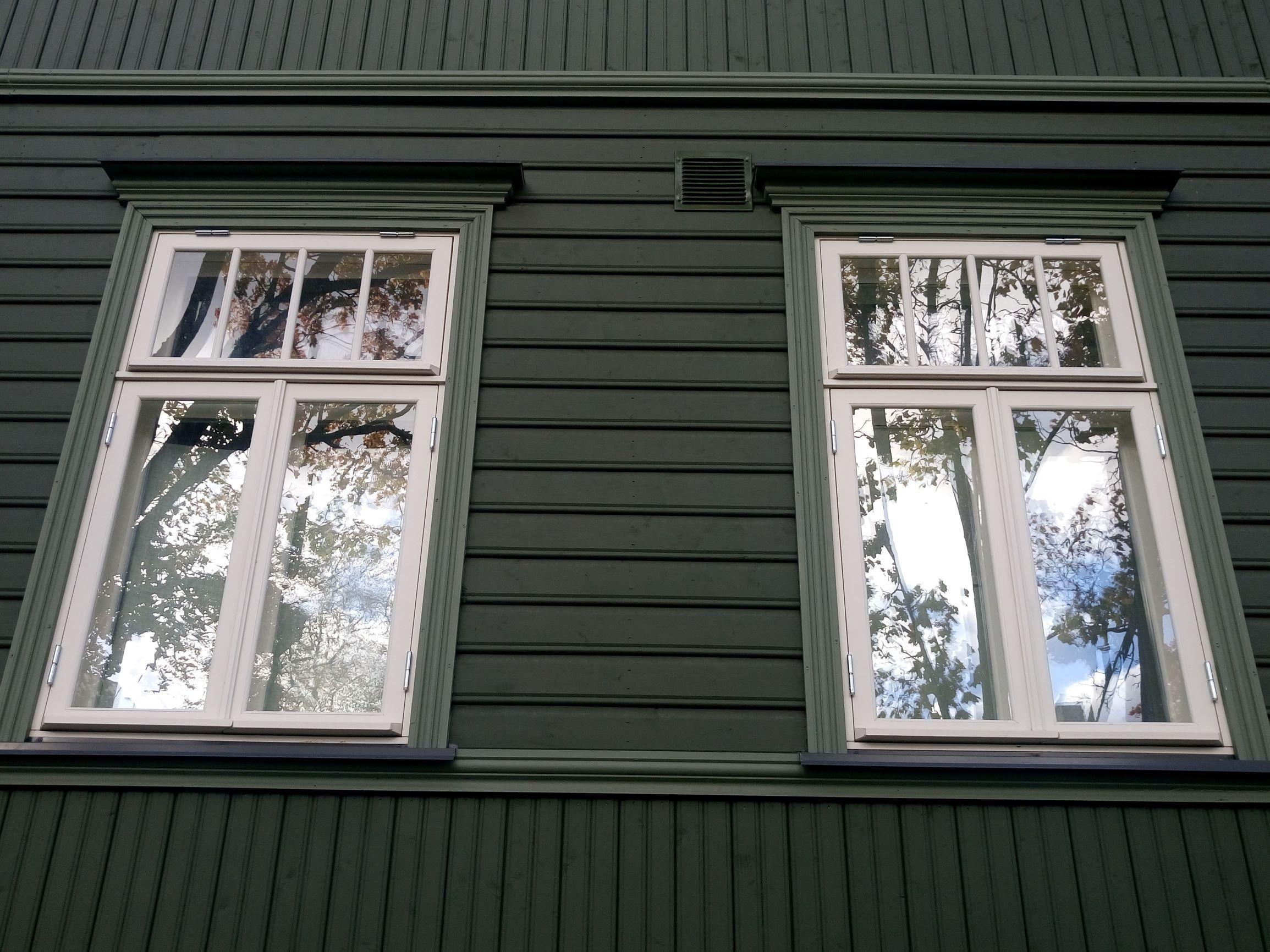Kunderi 25, Tallinn aknad