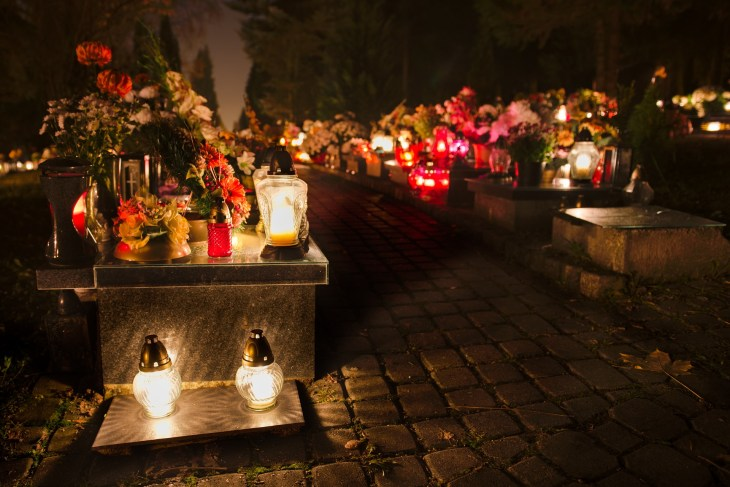 cemetery-1029807_1920