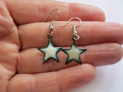 White star shaped earrings