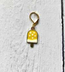yellow ice cream lolly stitch marker - enamel charm knitting marker