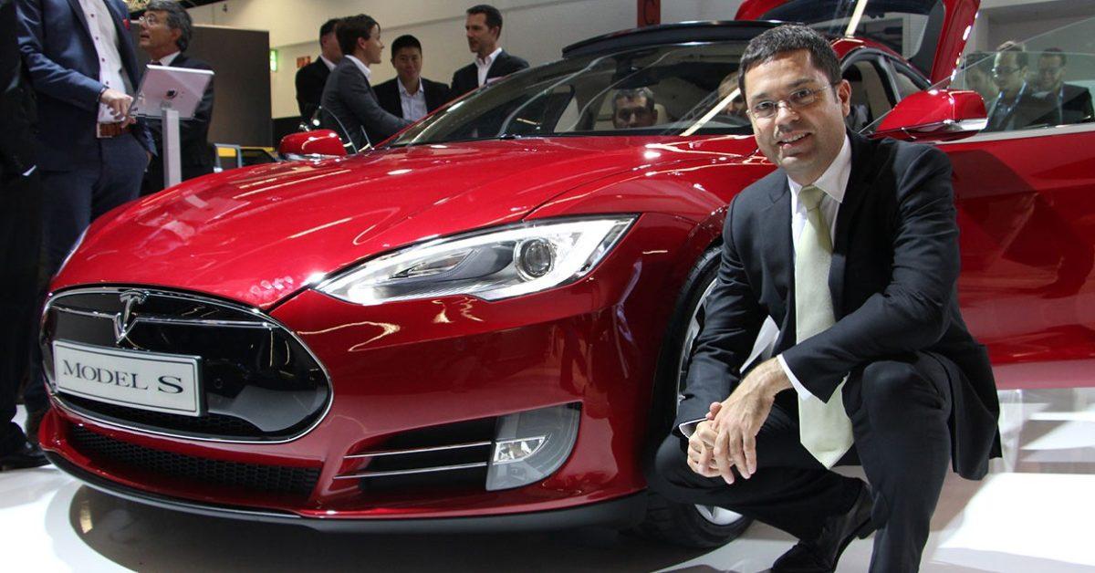 Tesla announces longtime exec and head of Heavy Trucking, Jerome Guillen, is leaving - Electrek