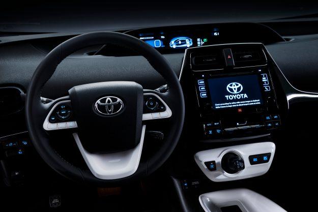 2016_Toyota_Prius_005_DC32963ADC0461FCFF317CC3F8B54C8A06416FE0