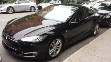 Obsidian Black http://www.teslamotorsclub.com/showthread.php/49405-Request-for-black-obsidian-MS-pictures
