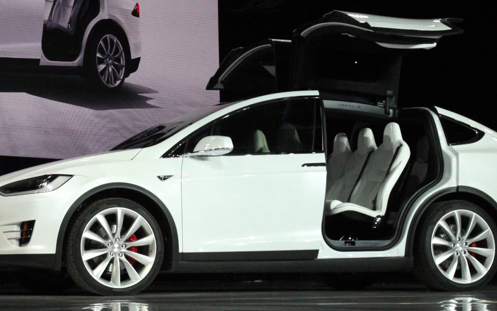 Tesla Model X Ramp Up Accelerating Owners Reporting Having Received - Ramp ford car show