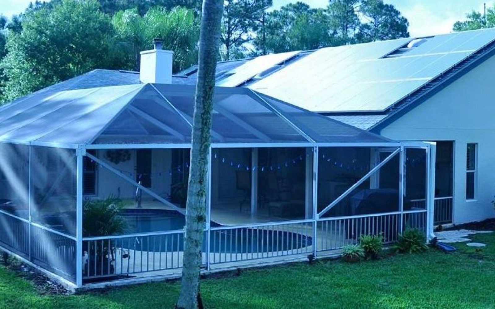 Electrek green energy brief: Residential solar myth debunked (again), Navy calls out Carolina politicians, and more!
