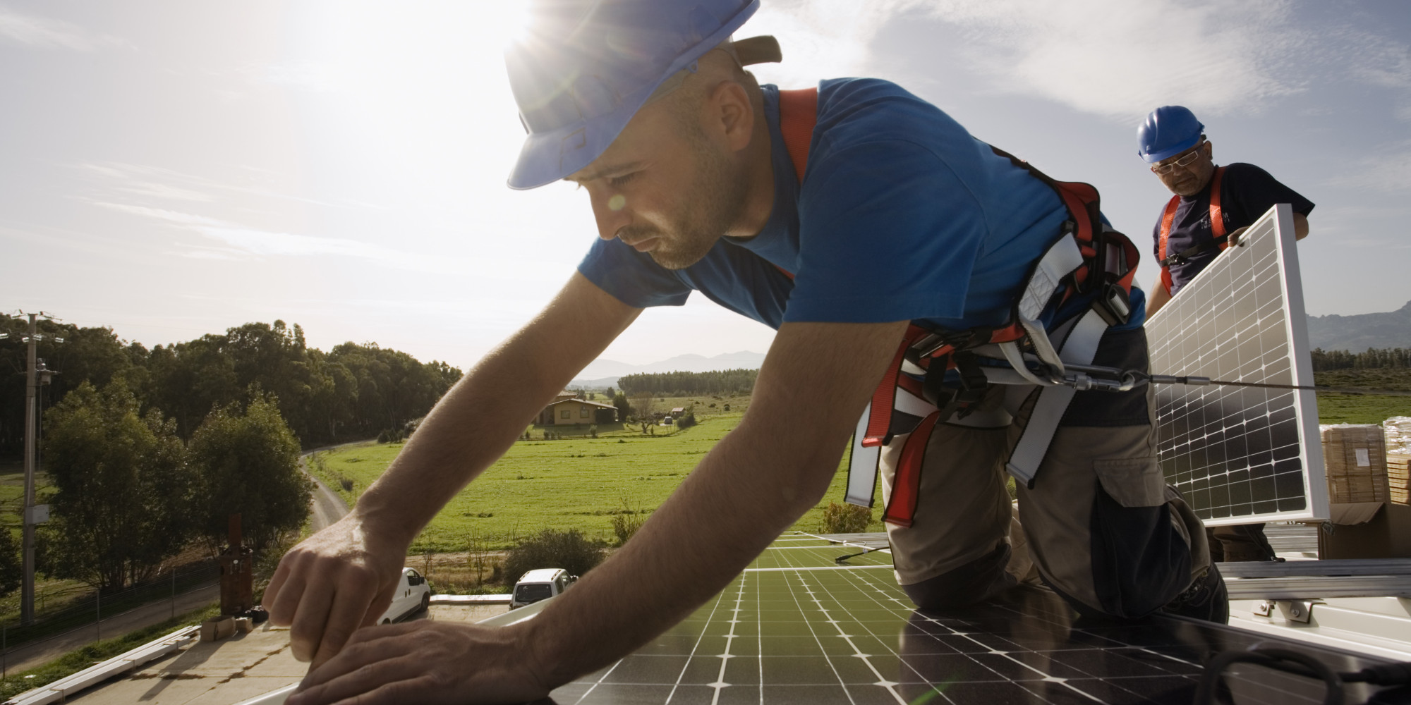 US clean energy jobs grew 3.6 percent in 2018, outnumber fossil fuel jobs 3-to-1