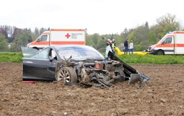 model s crash germany 6