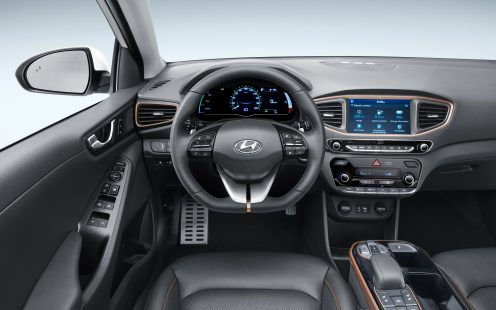1600-IONIQ_Electric_Interior__1_